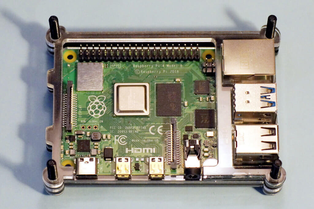 Ein Raspberry Pi 4 im STACKBT Gehäuse